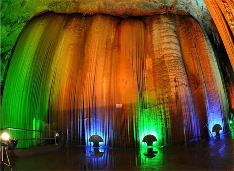 颜将军洞位于湖北省松滋市洈水风景区国家森林公园
