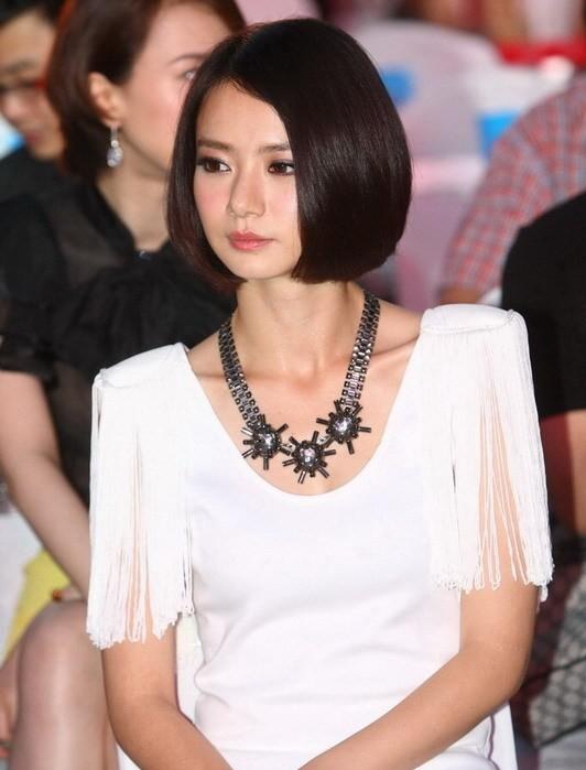 我型我秀戚薇_2006年参加上海东方卫视的《我型我秀》选秀节目出道,凭借一首《外滩