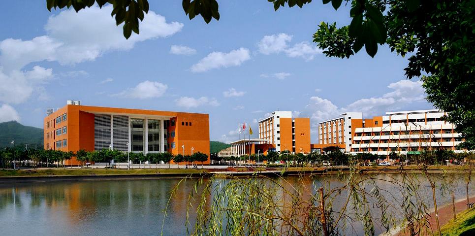 请问华南理工大学广州学院允许大一新生带电脑