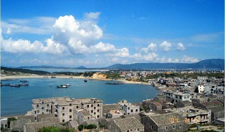 平潭岛位于福建省福州市附近海域