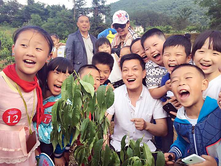 明星创业季湖南卫视主持人李锐宣布做亲子自媒体